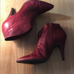🔥🔥RED HOT BCBG GIRL RED BOOTIES!🔥🔥